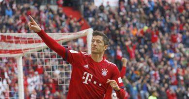 Bayern Monachium wygrywa Puchar Niemiec Robert Lewandowski strzela gole